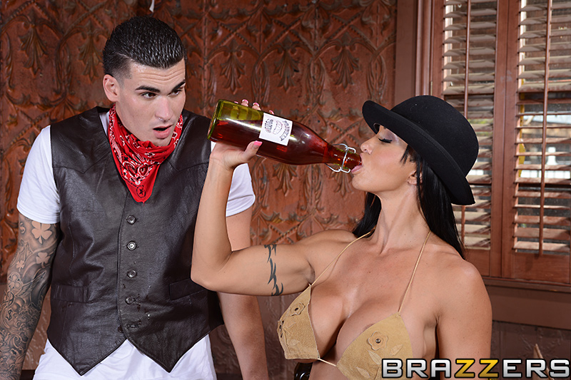 Busty MILF porn star Jewels Jade having sex with Clover at Brazzers ...